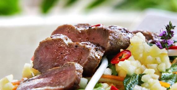 thaimat med svinekjøtt